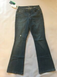 Style-amp-Co-Medium-Wash-Size-4-Flare-Denim-Jeans-Mid-Rise-Curvy-Fit-Distressed
