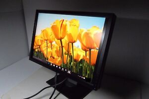"""Dell 2209WA UltraSharp 22"""" LCD Monitor w/4-Port USB Hub DVI VGA 2209WAf H736H"""
