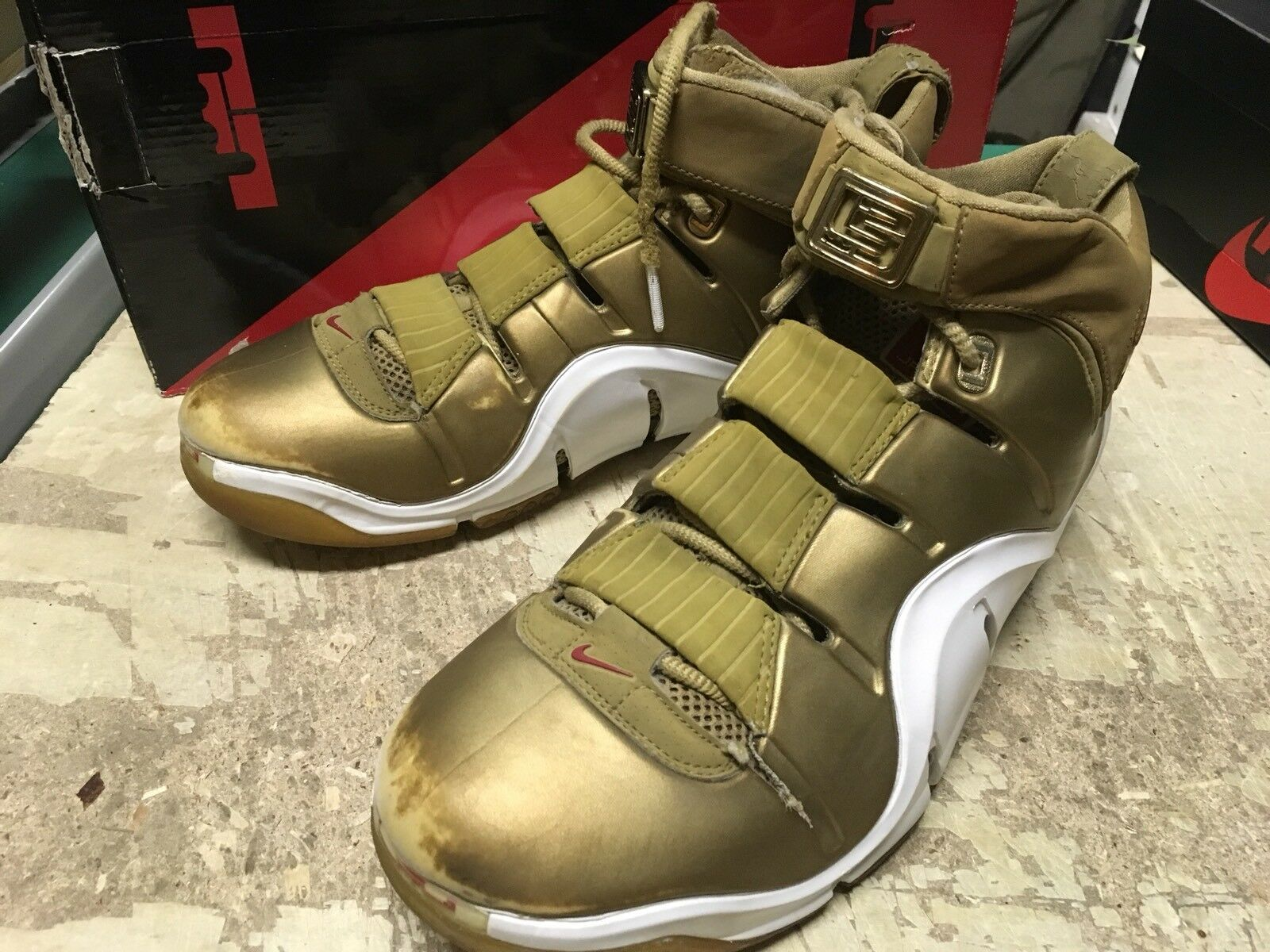USED MENS NIKE AIR ZOOM Lebron IV 4 ALL STAR GOLD 314647 711 Price reduction The latest discount shoes for men and women