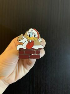 Disney-Santa-Donald-Duck-2020-Christmas-Holiday-Gift-Limited-Edition-LE-Pin