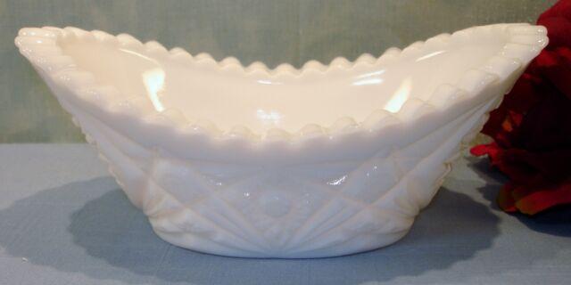 Kemple Hobstar & Fan White Milk Glass Oval Dish, 7