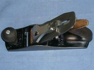 VINTAGE-STANLEY-BAILEY-NO-4-SMOOTHING-WOOD-PLANE-MADE-IN-ENGLAND