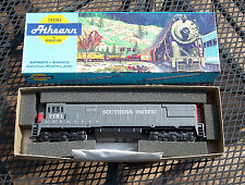 Athearn NOS Southern Pacific Railroad U28C #7151 Powered Locomotive HO Scale