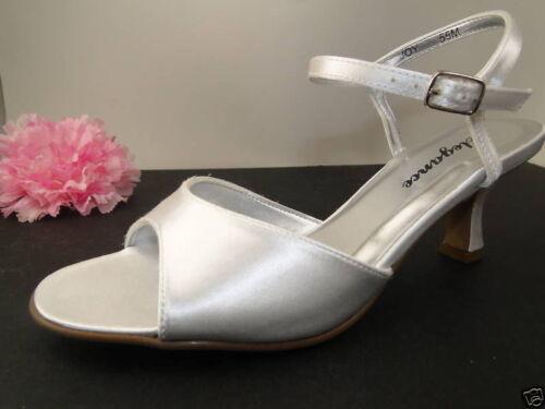 Joy Wide White Dyeable Bridal Wedding Shoes