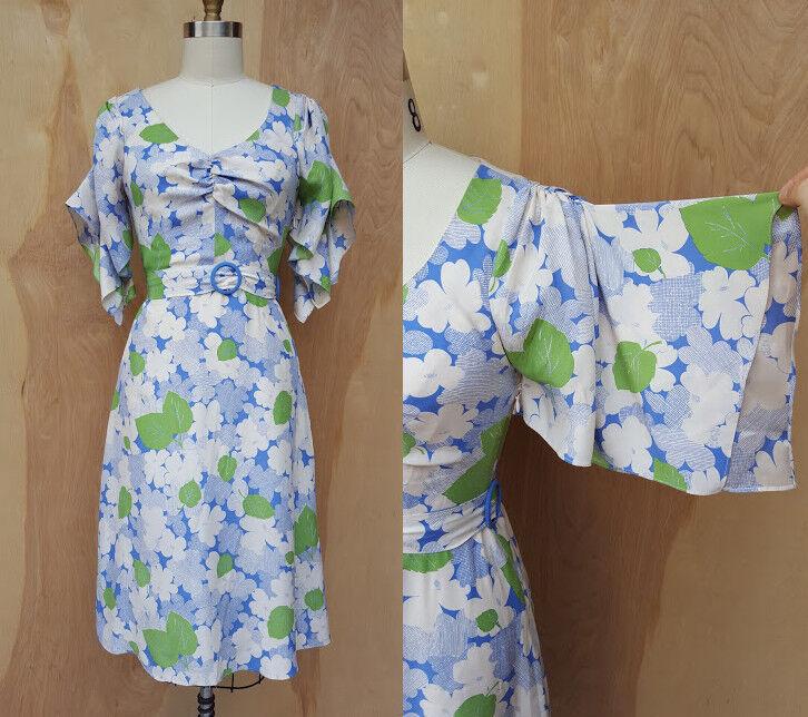 6d52a1057e3 BETSEY JOHNSON Dress - - - SILK Dress - Floral Dress - Kimono Sleeves -  Belted sz 4 d4cfc7