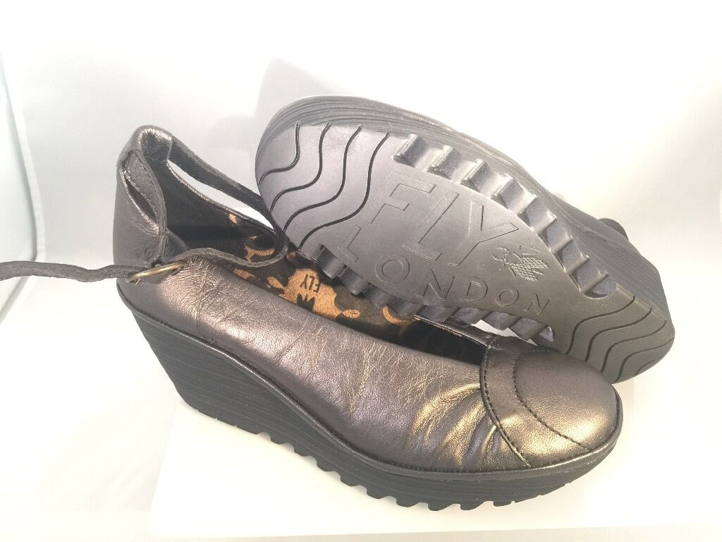 New FLY LONDON Womens Yase Ankle Strap Graphite Leather Wedge shoes EUR 41 US 10