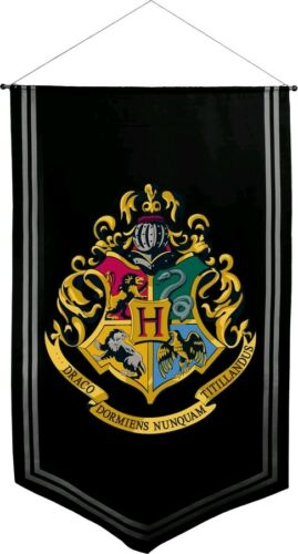 Hogwarts Satin Banner Artwork /& Wall Pieces--Harry Potter