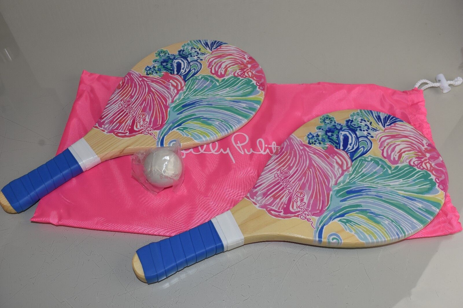 NEW Lilly Pulitzer 3 PC PADDLE BALL SET & CASE Multi Beach Please Paddles Pink