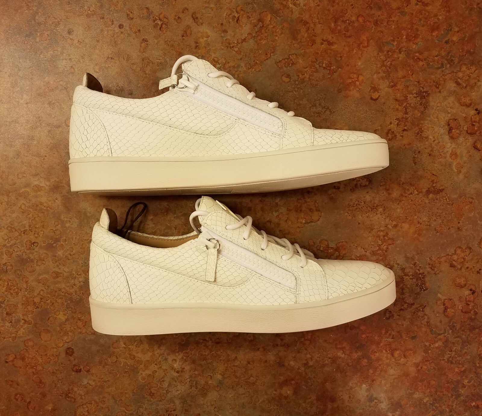 New  Giuseppe Zanotti Embossed Side Zip Zip Zip scarpe da ginnastica bianca Uomo 10 US 43 Eur MSRP  695 122233
