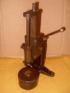 Vintage-Scleroscope-By-Coats-Machine-Tool-Co-Ltd-As-Photo