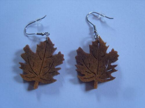 Ohrring mit brauen Blätter Blättern aus Filz für Baum Fans im Herbst  859