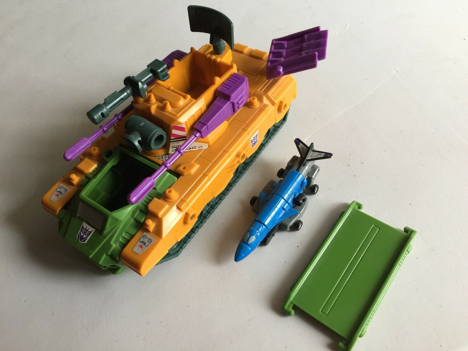 Transformers G1 1990 ANTI-AIRCRAFT Base near complete micromaster