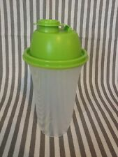 New Tupperware Quick Shake Mixer Blender Gravy Shaker Green Seal 16oz