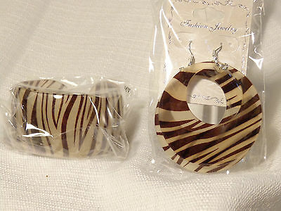 ANIMAL PRINT BANGLE CUFF AND EARRING SETS ASSORTED COLORS ZEBRA OR LEOPARD PRINT