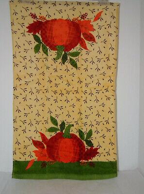 Kitchen Towel Fall Theme Lg Pumpkins /& Leaves 15 x 25  Green//Orange//BeigeNWT