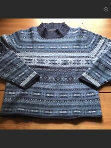 Woolrich-Women-039-s-100-Lambs-Wool-Fair-Isle-Sweater-Medium-Multi-blue