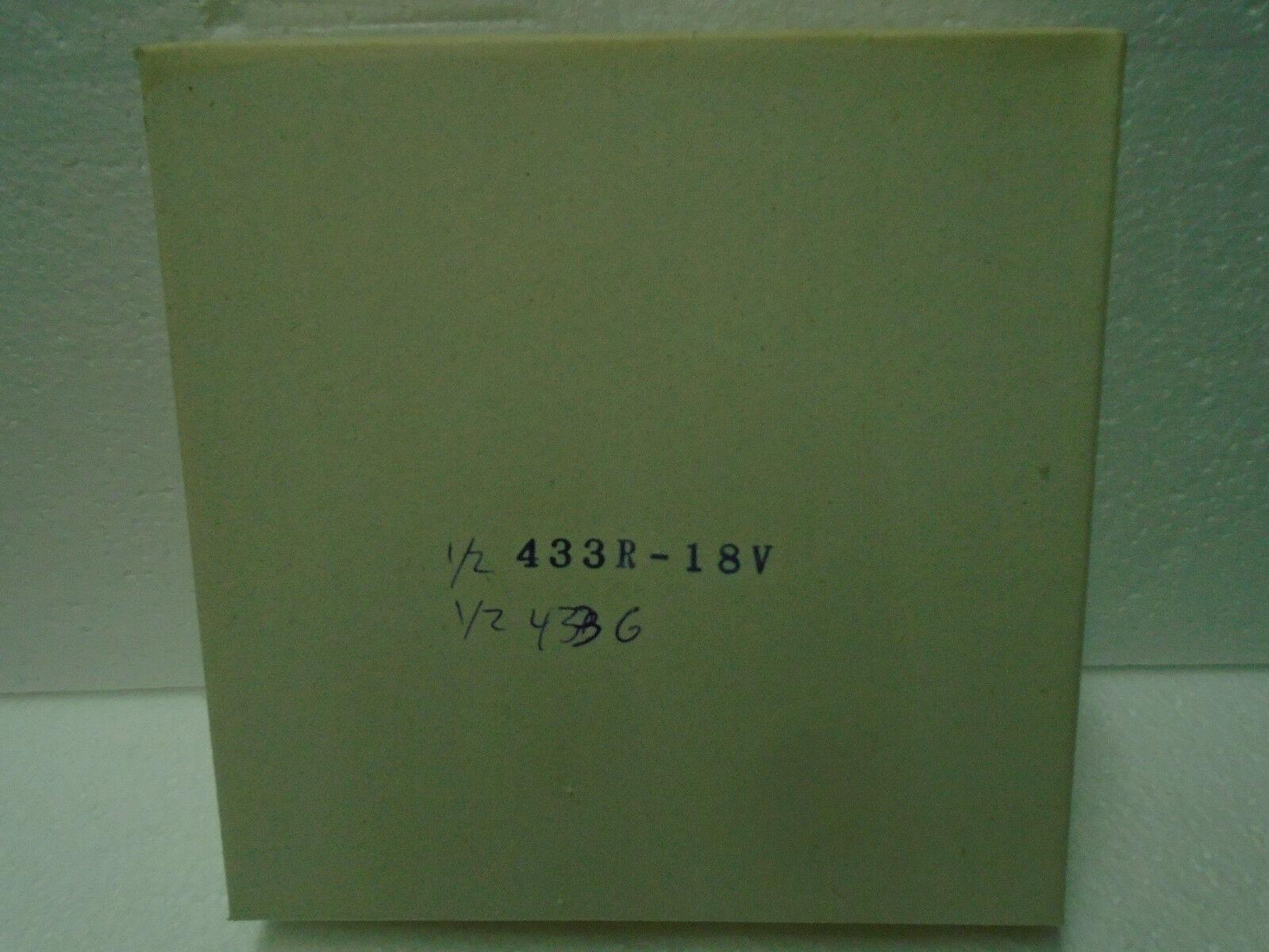 Box of 50 50 50 rosso & 50 verde  433 Bayonet Base Train Bulbs 4d6569