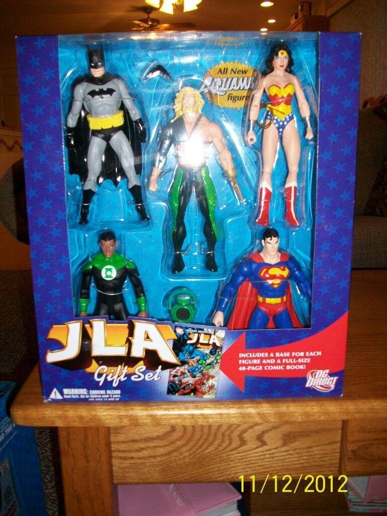 DC Direct Justice League of America Deluxe Gift Set