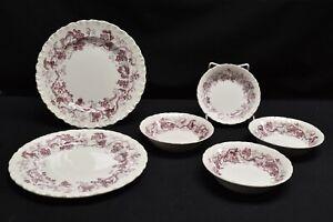 Wedgwood-Old-Vine-Purple-Pair-of-Salad-Plates-amp-4-Fruit-Dessert-Bowls
