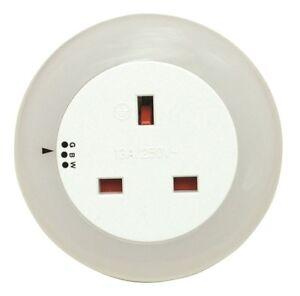 LED-Plug-In-3-Colour-Changing-Nightlight-Lamp-Light-Socket-Dusk-To-Dawn-Mode