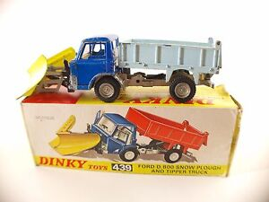 Dinky-Toys-GB-n-439-camion-Ford-D800-chasse-neige-Tipper-Truck-coloris-rare
