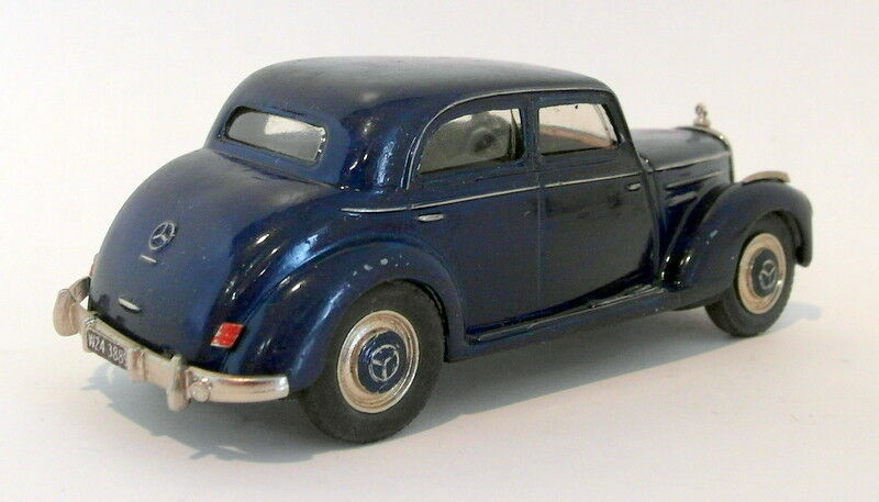 Danhausen Tin Tin Tin Wizard 1 43 Scale White Metal MT19B Mercedes Benz 220 Limo 1951 55 58dd1f