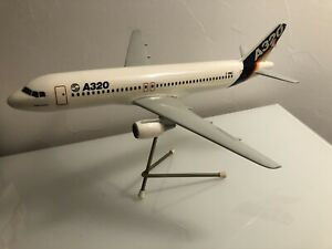 Maquette d'agence Airbus A320 F-WWAI