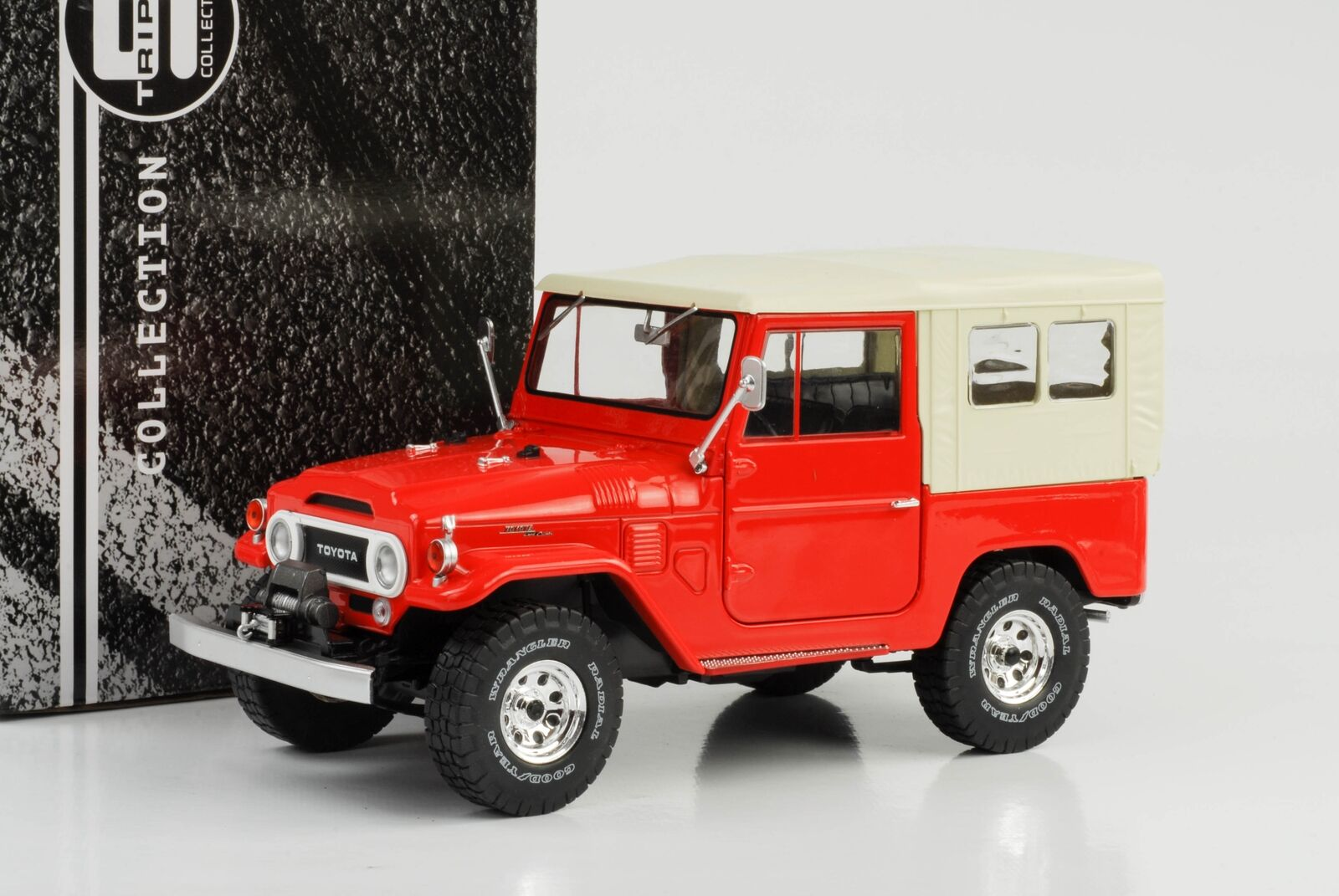 Toyota Land Cruiser fj40 1967 Rouge Softtop Beige 1 18 Triple 9 Miniature