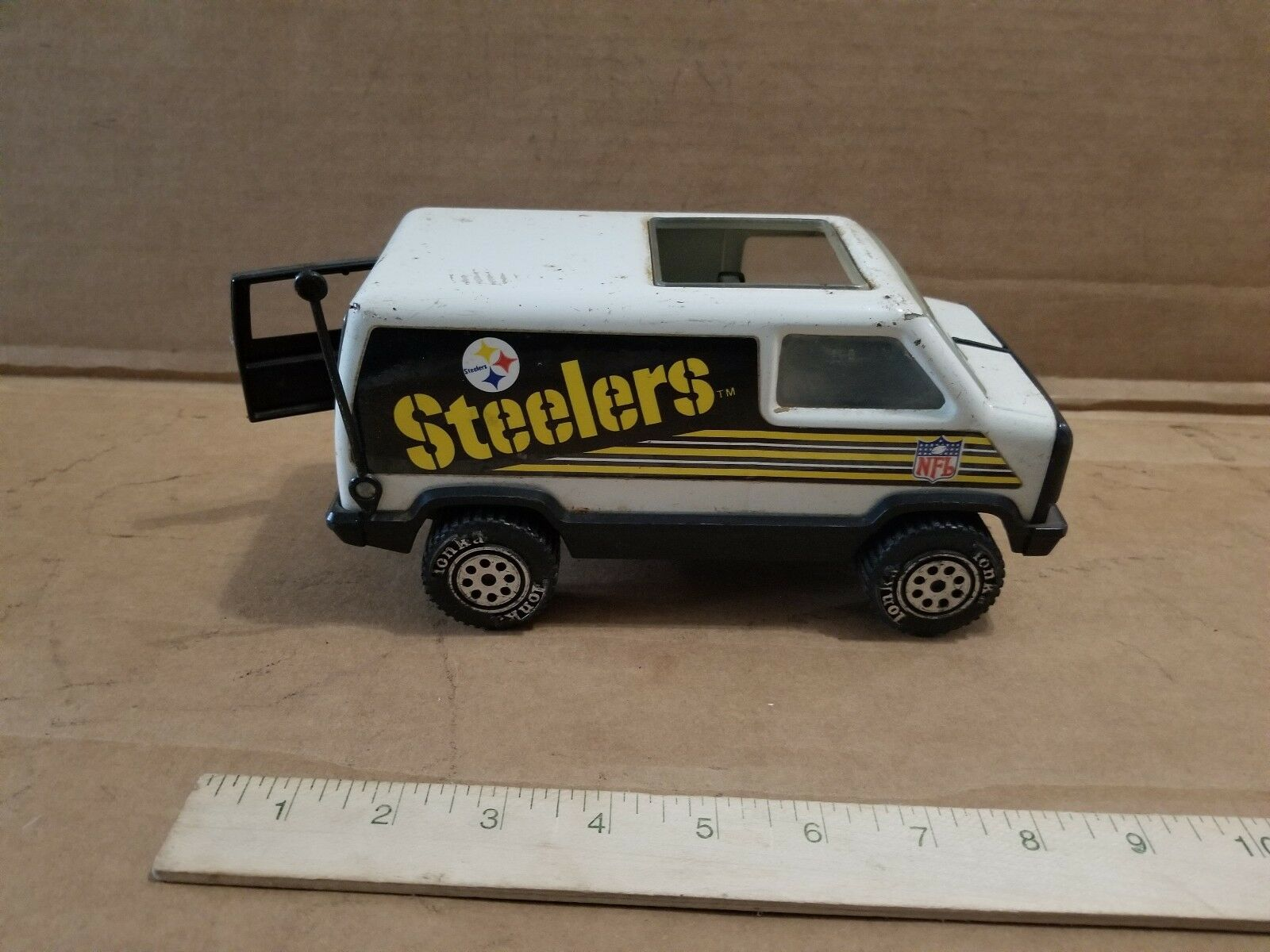 Tonka Van NFL Pittsburgh Steelers Opening Rear Door Vintage Pressed Steel Toy