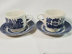 Vintage-Churchill-Blue-Willow-China-England-Flow-Blue-2-Tea-Cups-amp-Saucers