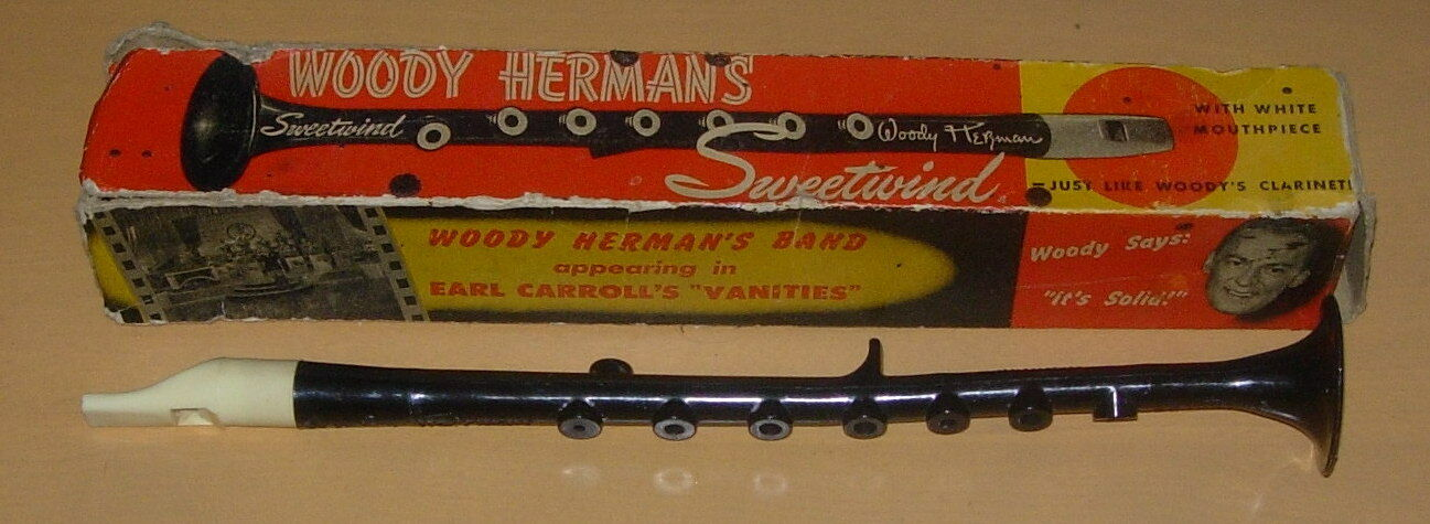 WOODY HERMAN'S  SWEETWIND TOY CLARINET  BOXED  C. 1950  PIONEER INSTRUMENTS