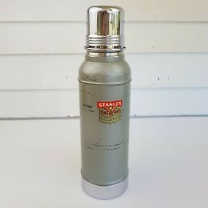 Vintage-Stanley-Super-Vac-Thermos-w-Cork-Stopper-Model-N944-Stainless-Steel-USA