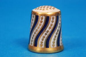 Royal-Crown-Derby-039-The-Spiral-Stripe-039-China-Thimble-B-77