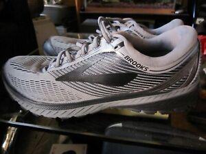 Brooks men's Ghost 10 shoe size 11.5 D