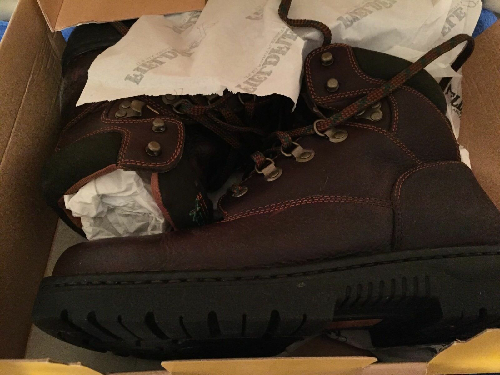 NEW IN THE BOX CAROLINA FIELD FLEX BROWN LEATHER WORK BOOTS 10.5 EE