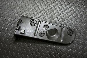 Audi-A4-8E-B6-Stossstangenhalterung-Halter-Stossstange-hinten-rechts-8E0807454