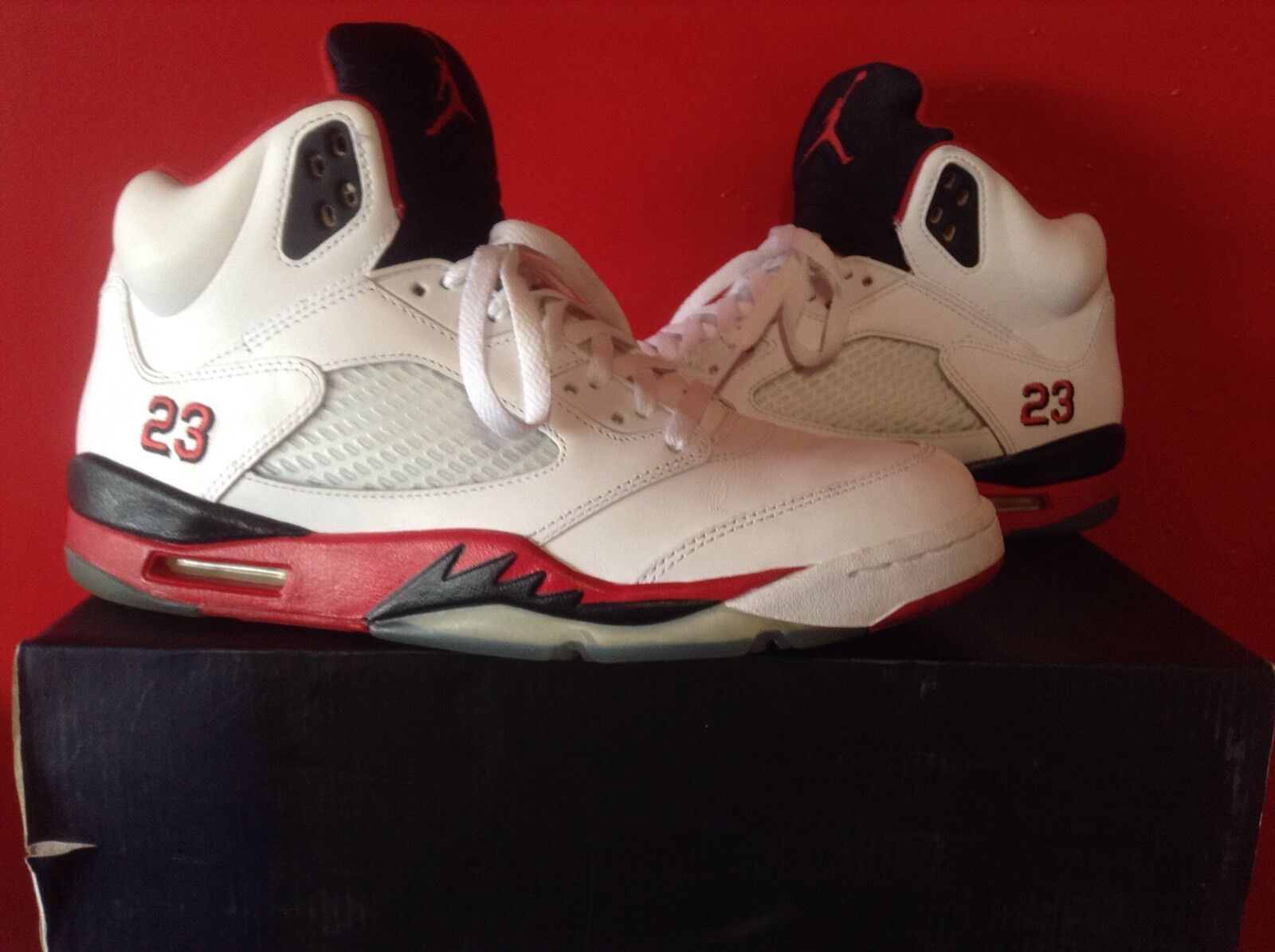 AIR JORDAN V FIRE RED SZ 11 W/box Immaculate Shape