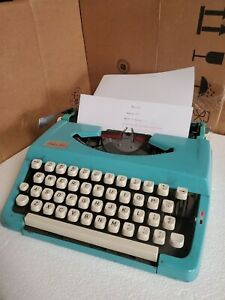 Vintage Brother JP-1 Deluxe 100 Portable Typewriter - Blue - Made in Japan.....