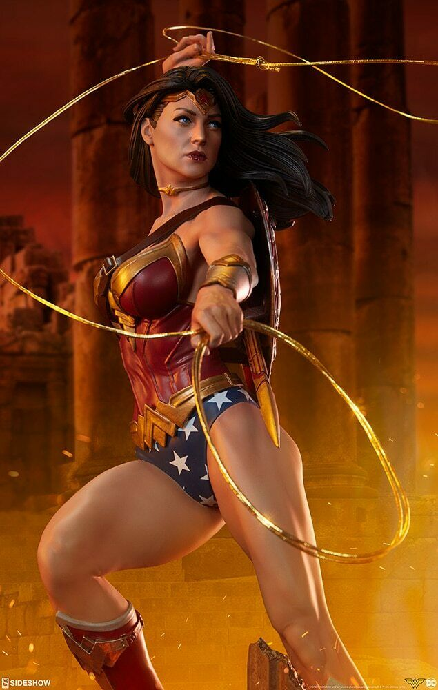 SIDESHOW Wonder Woman Premium Format Figure Statue MINT NEW IN BOX
