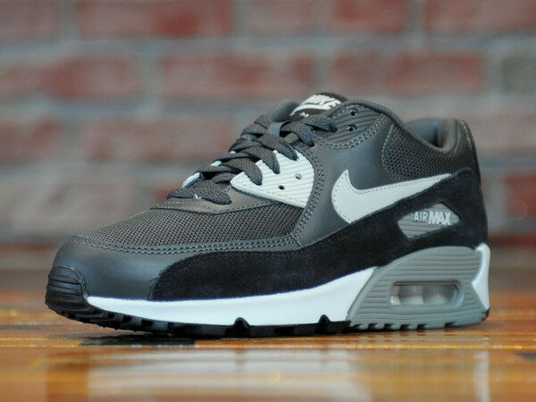 Nike Air Max 90 Essential Mens &
