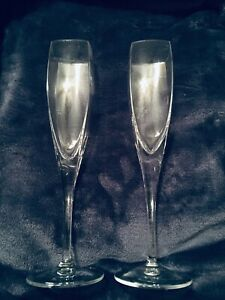 2-Mikasa-Panache-Fluted-Champagne-9-3-4-Glasses-Modern-Square-Bowls