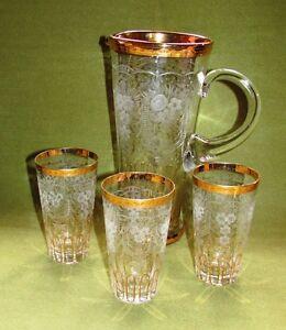 Biedermeier-Glaskanne-Karaffe-u-3-Glaeser-geschl-Goldverzierung