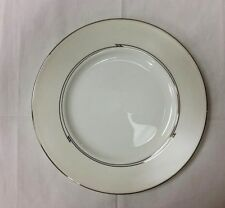"LENOX ""TESORO"" ACCENT SALAD PLATE 9 1/4"" PLATINUM WHITE BONE CHINA NEW U.S.A."