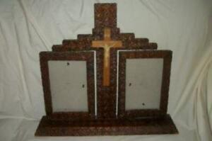 PRISON-TRAMP-ART-SWING-FRAME-CRUCIFIX-ART-DECO-1920-039-s-CARVED-WOOD-MEMORIAL-FRAME