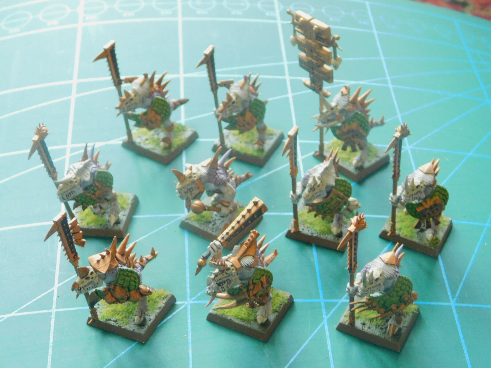 10 warhammer 40k dungeons dragons undead creature creature creature painted plastic figures aeab3a