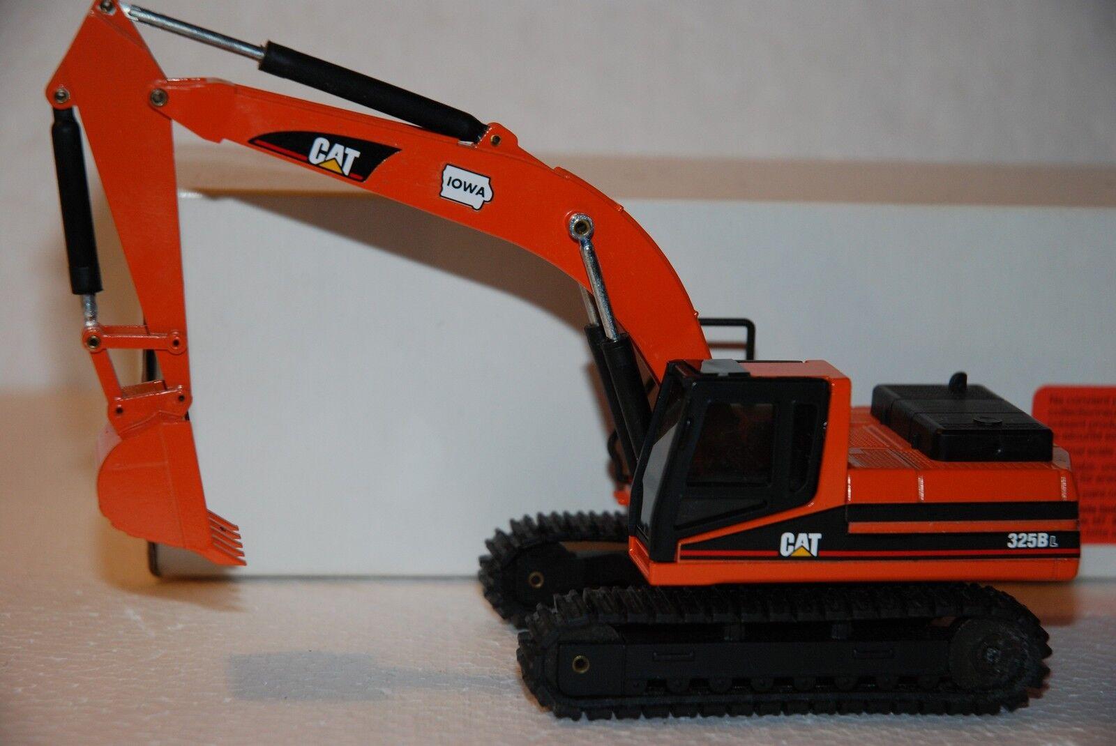 1 50 NZG Excavateur robot d'indexation Cat 325BL  Iowa