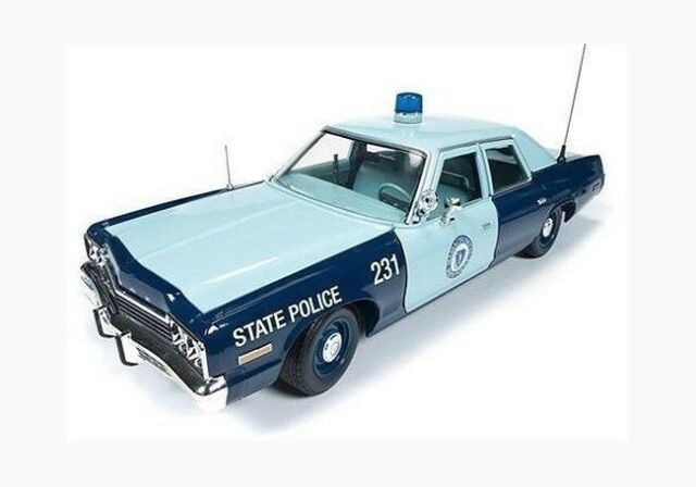1:18 Auto World 1974 Dodge Monaco Massachusetts State Police AMM1023