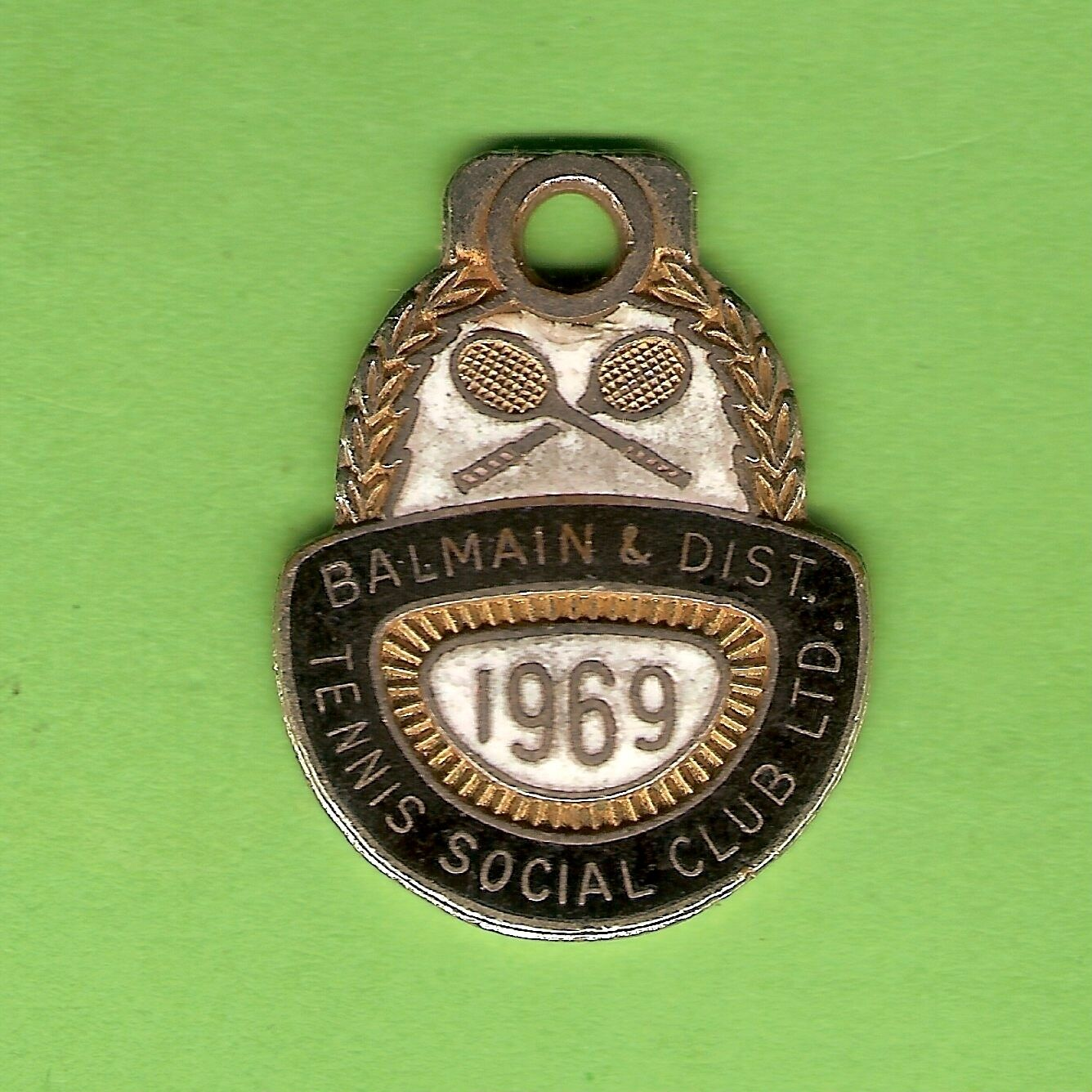 D198.  1969  BALMAIN  & DISTRICT  TENNIS  CLUB  MEMBER  BADGE