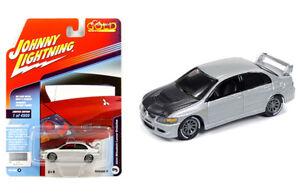 Johnny-Lightning-Mitsubishi-Lancer-Evo-04-Silver-with-Carbon-Fiber-JLCP7176-1-64