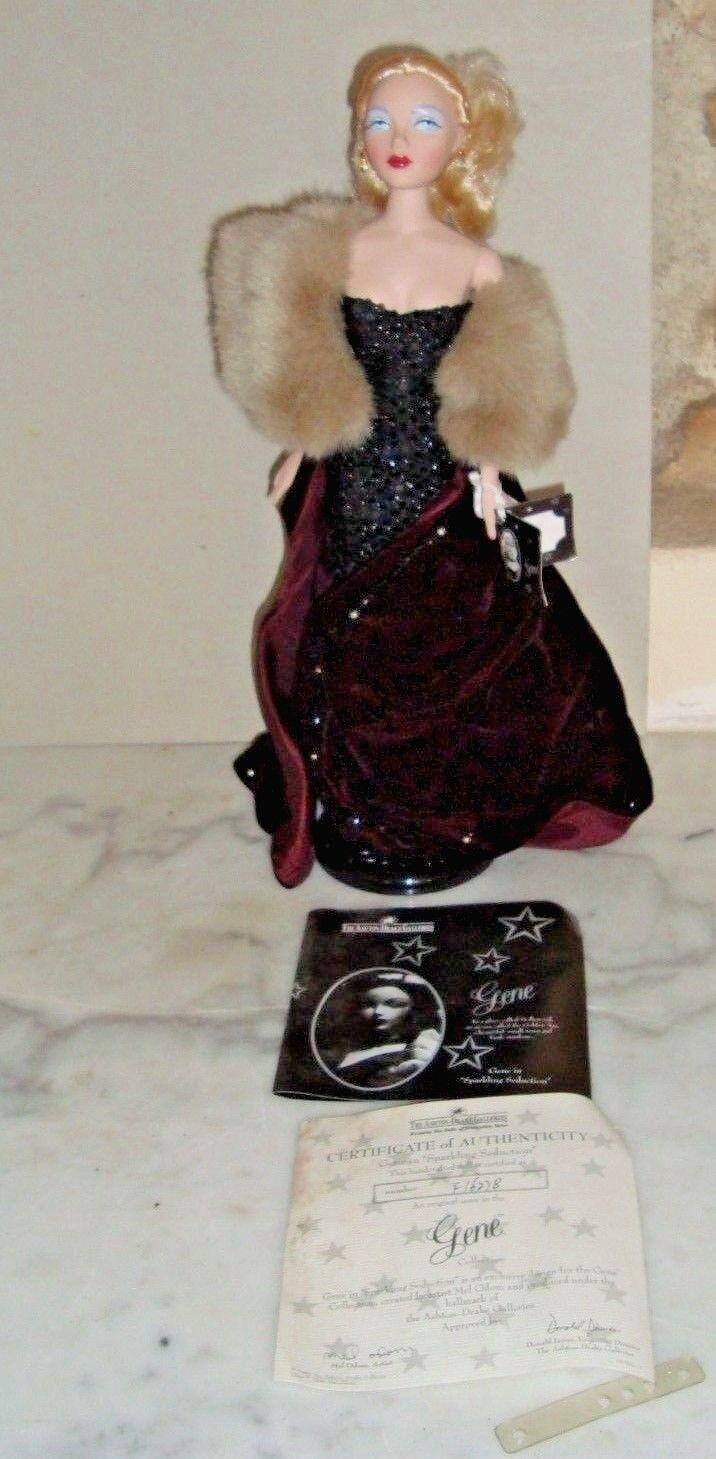 SPARKLING SEDUCTION  GENE  DOLL 40 cm dans sa boite d'origine bijoux socle